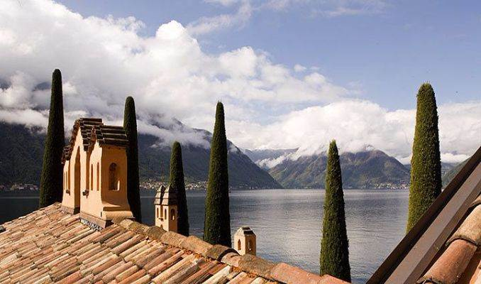 Delightful Villa On Lake Como Italy (55)