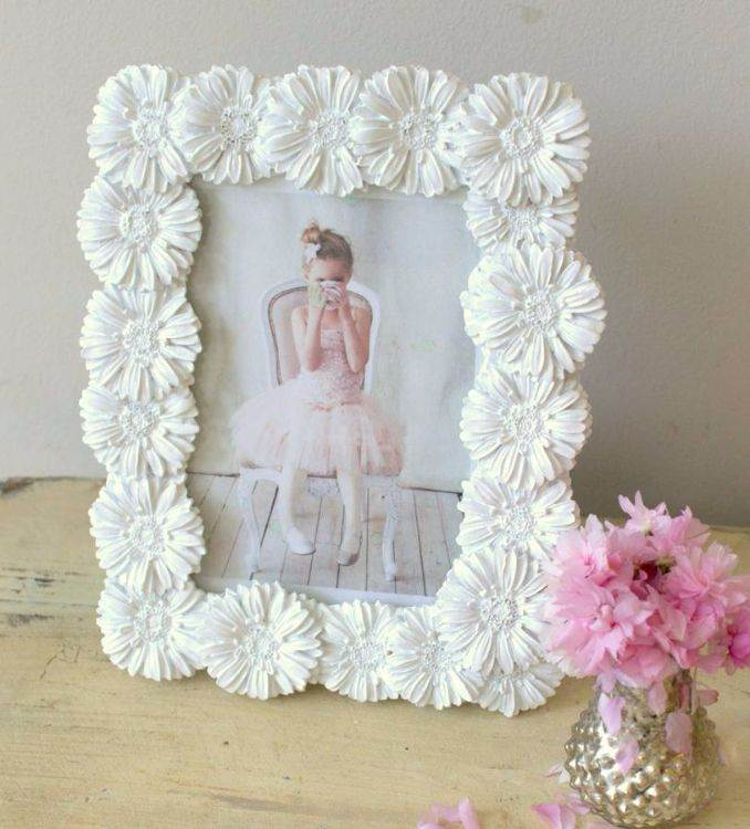 Easy DIY Photo and Picture Frame Decorating Crafts (13)