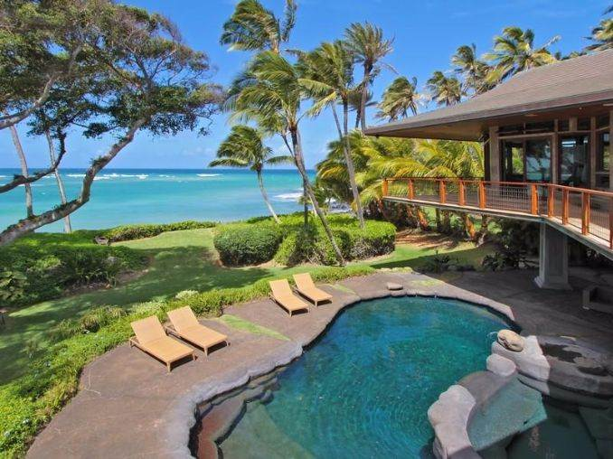 Exceptional Beachfront Home In Hawaii