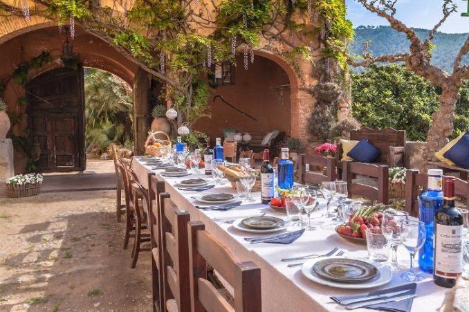 The stunning Spanish mansion Villa Catalina Barcelona (10)