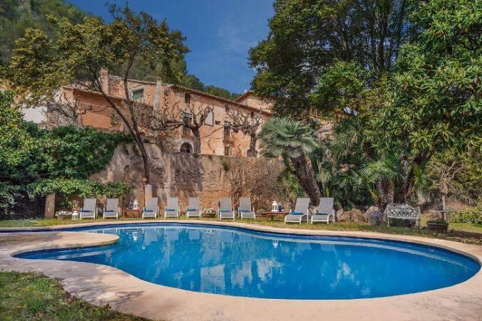 The stunning Spanish mansion Villa Catalina Barcelona (2)