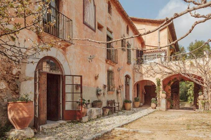 The stunning Spanish mansion Villa Catalina Barcelona (3)