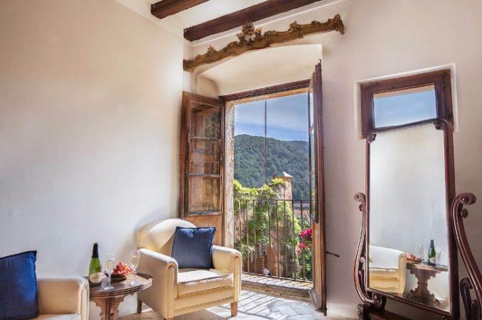 The stunning Spanish mansion Villa Catalina Barcelona (6)