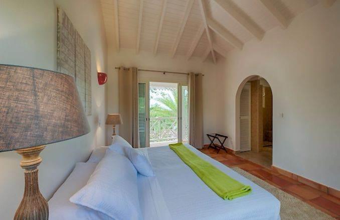 Madras - Impressive Contemporary Villa in St. Maarten (8)