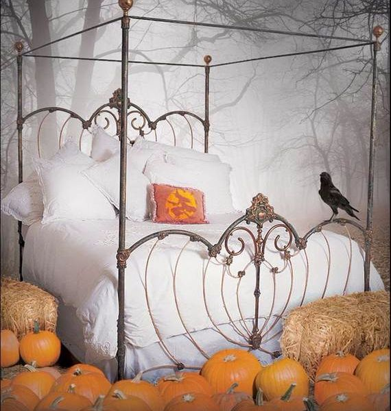 spooky-bedroom-decor-with-subtle-halloween-atmosphere_05