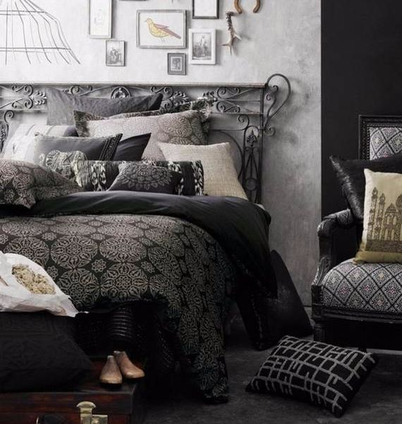 spooky-bedroom-decor-with-subtle-halloween-atmosphere_06