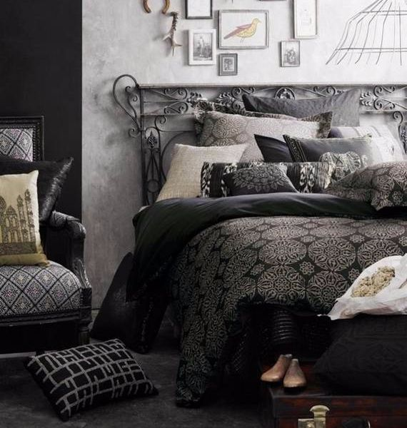 spooky-bedroom-decor-with-subtle-halloween-atmosphere_22