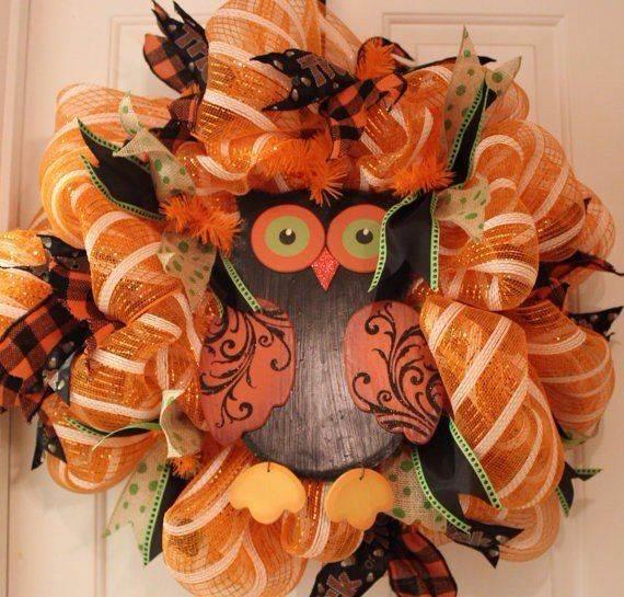 fall-deco-mesh-wreath-ideas-diy-halloween-mesh-wreath-halloween-owl-deco-mesh-wreath