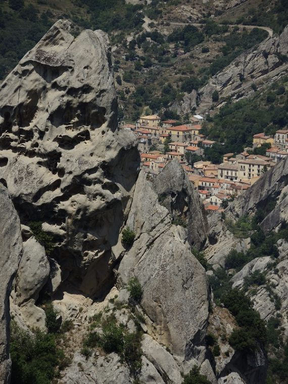 castelmezzano-pietrapertosa-basilicata-28