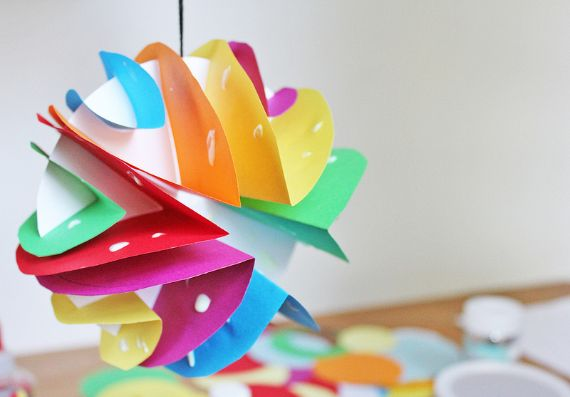 art-for-kids-glowing-paper-planets‎