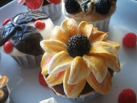 Image result for fall cupcake ideas