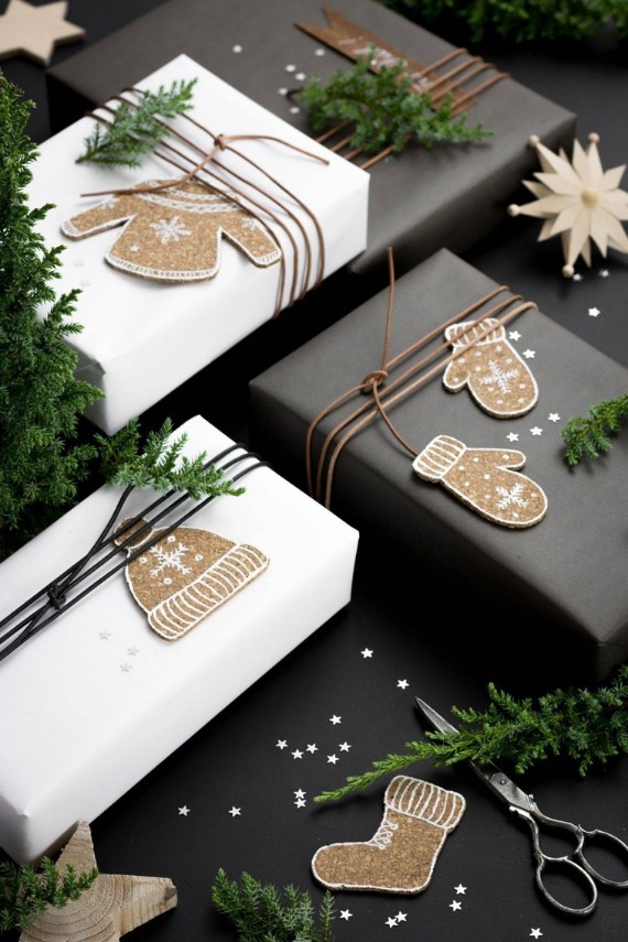 Christmas Gift Wraps Ideas With Cork Board
