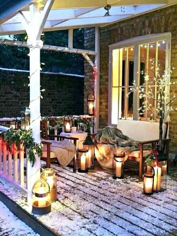 Traditional Porch Christmas Lanterns Decoration