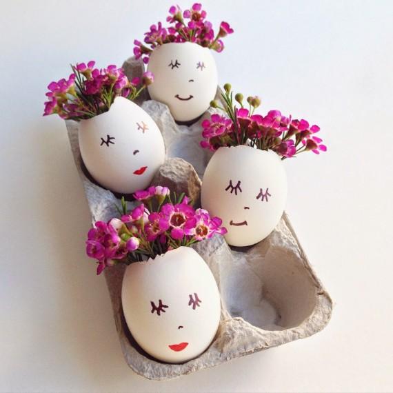 einfache Eierschalen-Blumenarrangements
