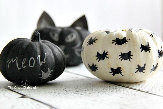 Halloween-cat-painted-pumpkins (1)