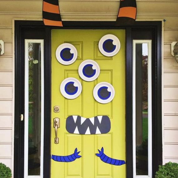 fun-cartoon-monster-Halloween-door-decor