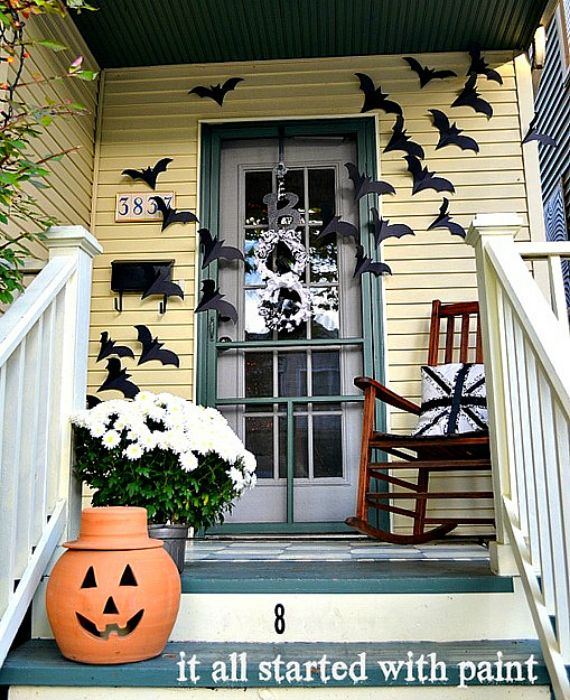 halloween-bats-on-door
