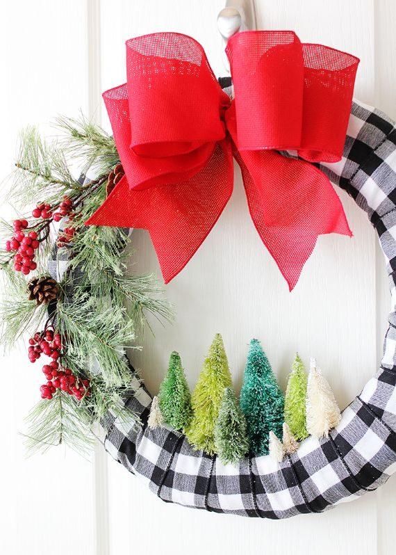BOTTLE BRUSH TREE CHRISTMAS WREATH