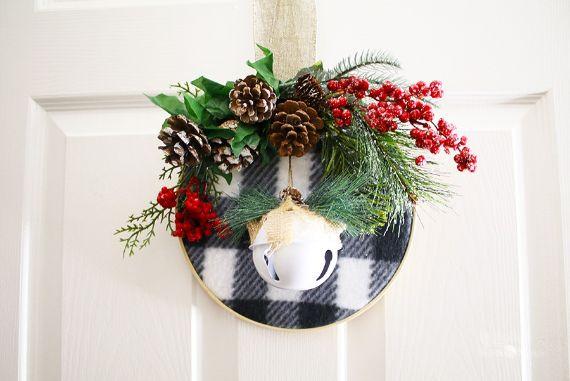 CLASSIC VERSION... Christmas wreath door decorations