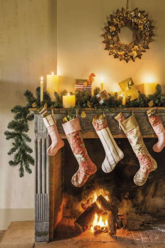 Stunning CHRISTMAS MANTEL DECORATING Ideas 1