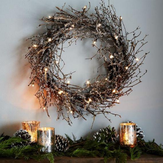 unique wreath for Christmas 23