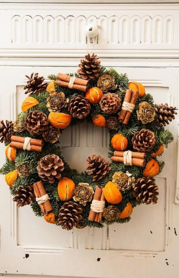 unique wreath for Christmas 25