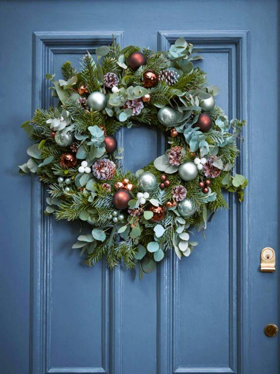 unique wreath for Christmas 27