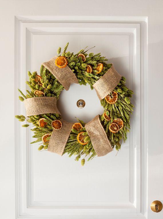 unique wreath for Christmas 32