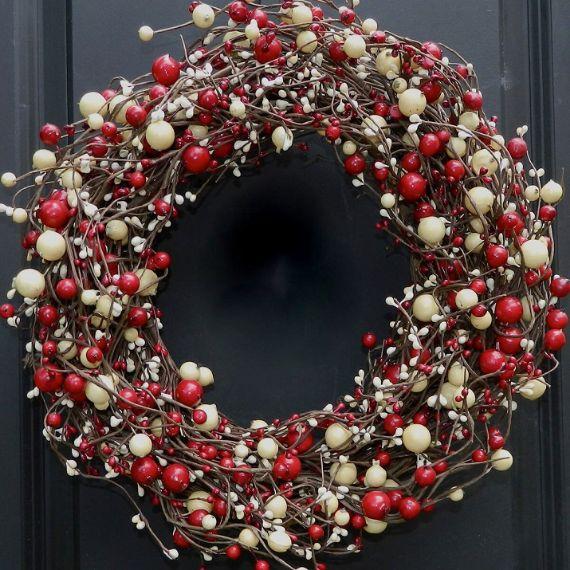 unique wreath for Christmas 38