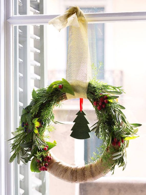 unique wreath for Christmas 4