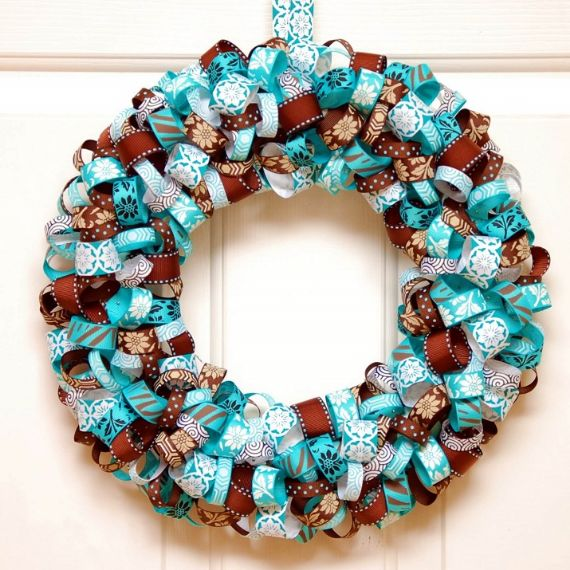 unique wreath for Christmas 42