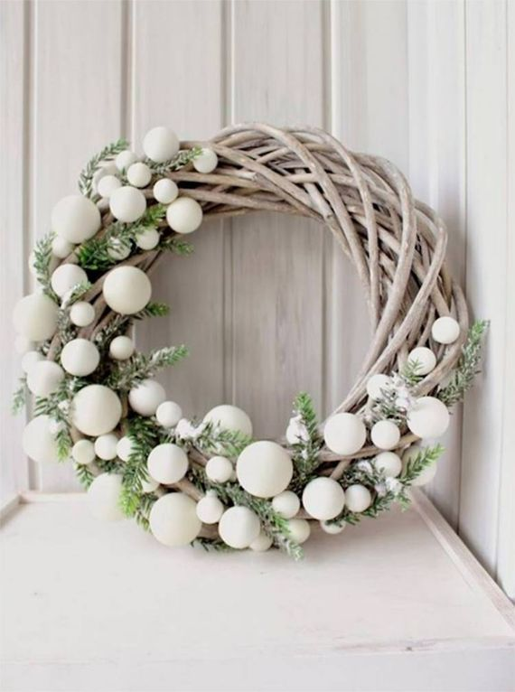 unique wreath for Christmas 7