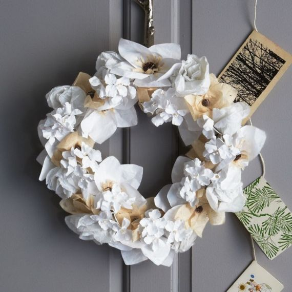 unique wreath for Christmas
