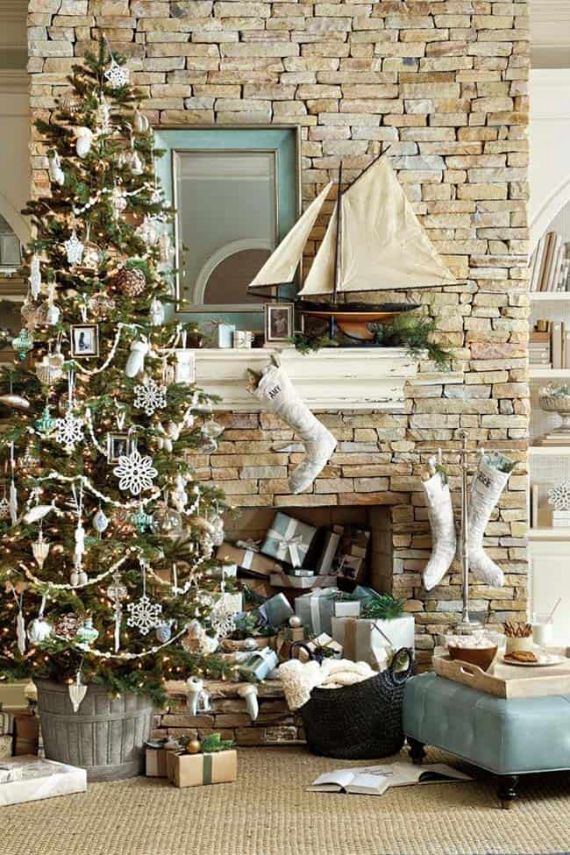 Modern-white-Christmas-decorations