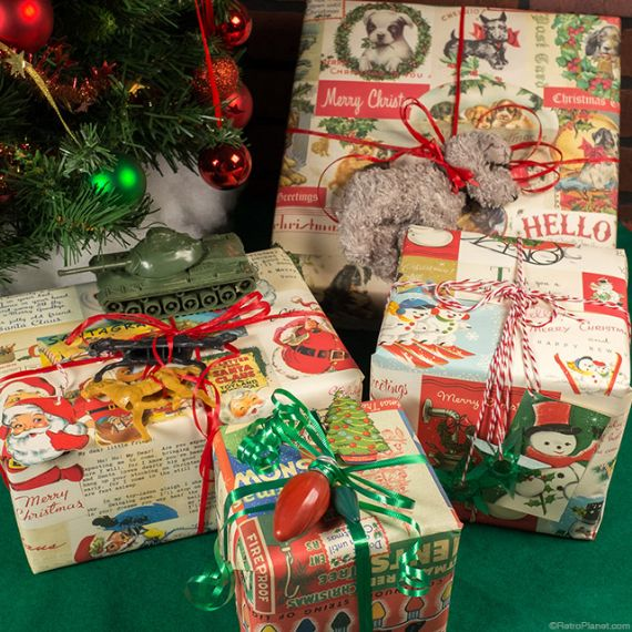 Gift Wrapping In Vintage Style For An Old Fashioned Christmas
