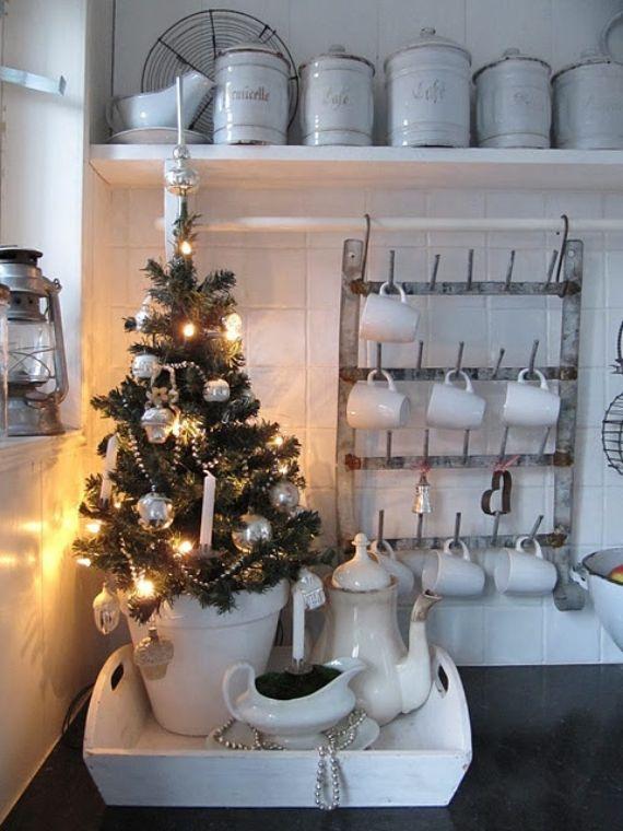 cozy-christmas-kitchen-decor-ideas-33