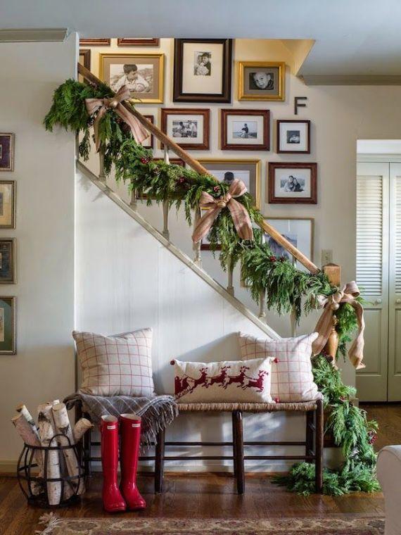 rustic-Christmas-coffee-staircase (1)