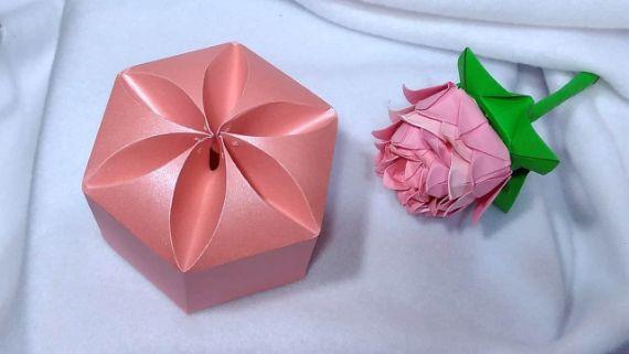 Flower-inspired-folding-box (1)