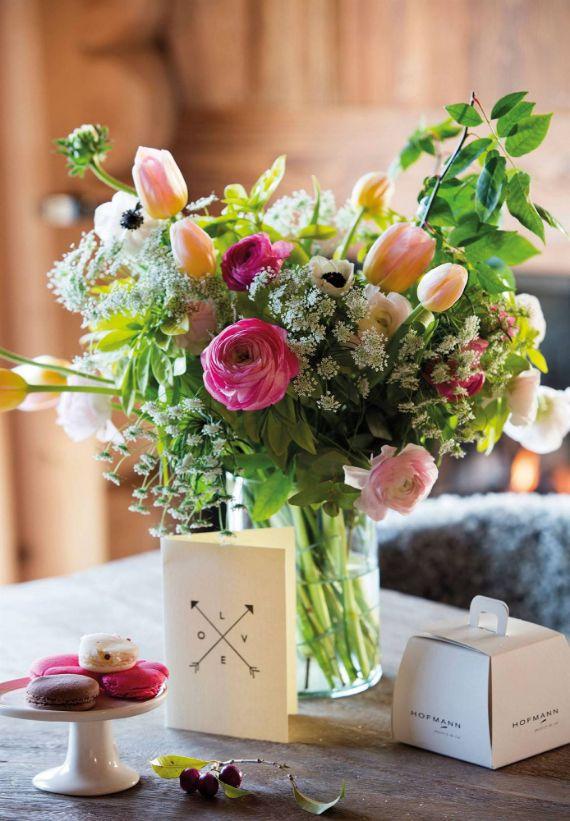 Gorgeous Flower Decoration Ideas for Valentine's Day 4