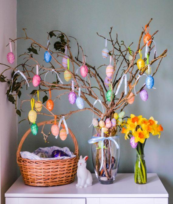 CHEAP & CHEERFUL DIY EASTER TREE (1)