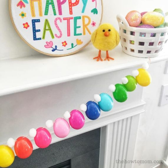Easter-Egg-Garland-on-Mantel (1)