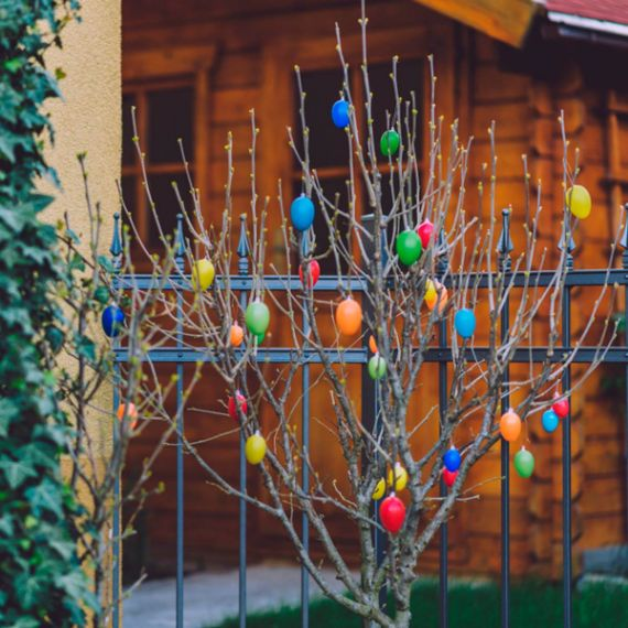 Outdoor Easter Egg Tree (1)