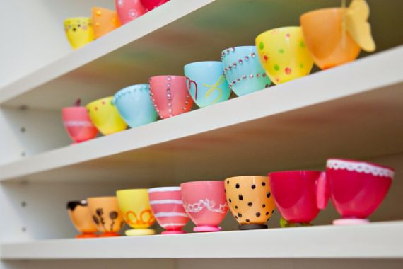 plastic-easter-egg-teacups_ (1)